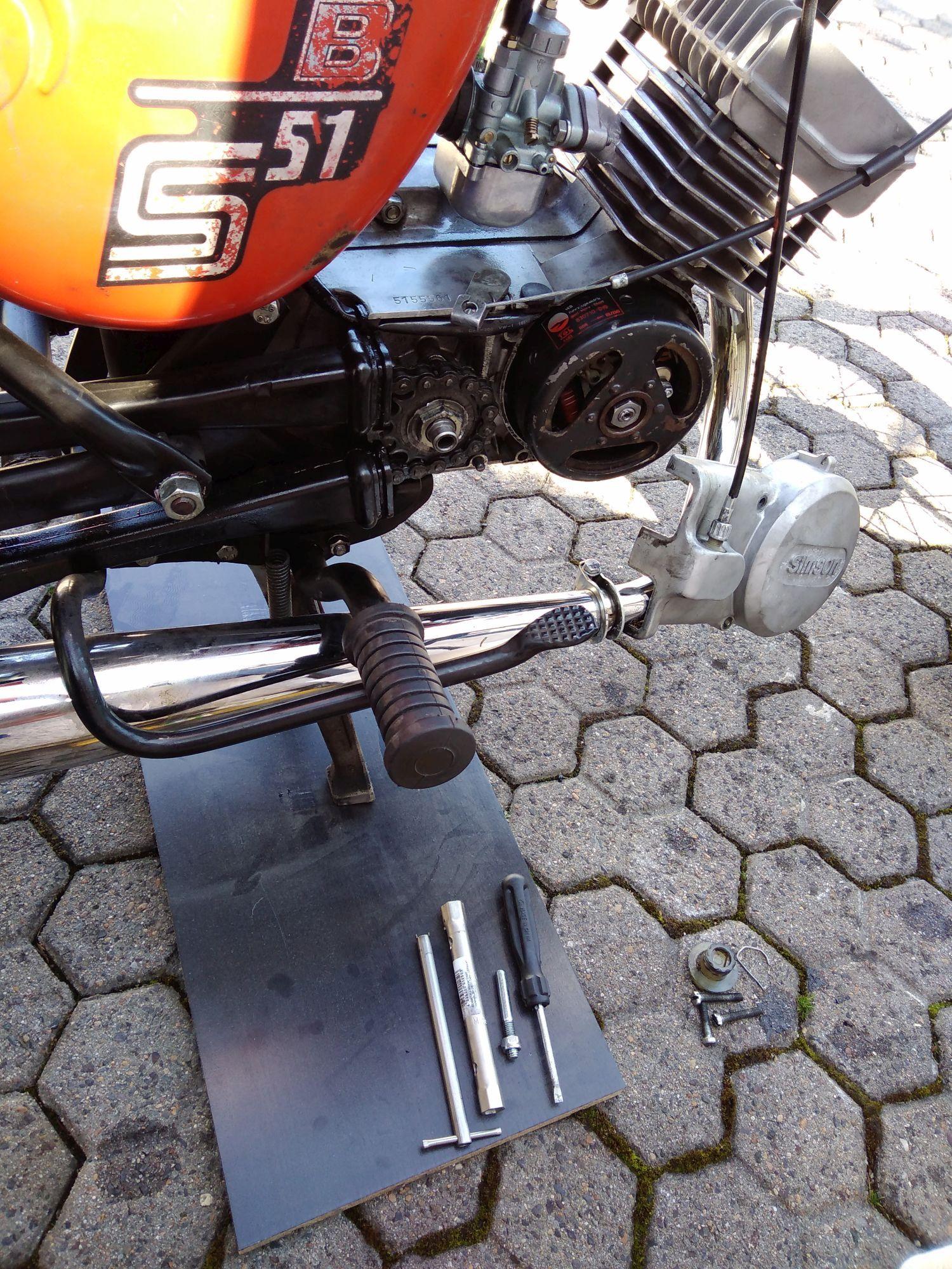 Motor M541 mit abgenommenem Lichtmaschinendeckel